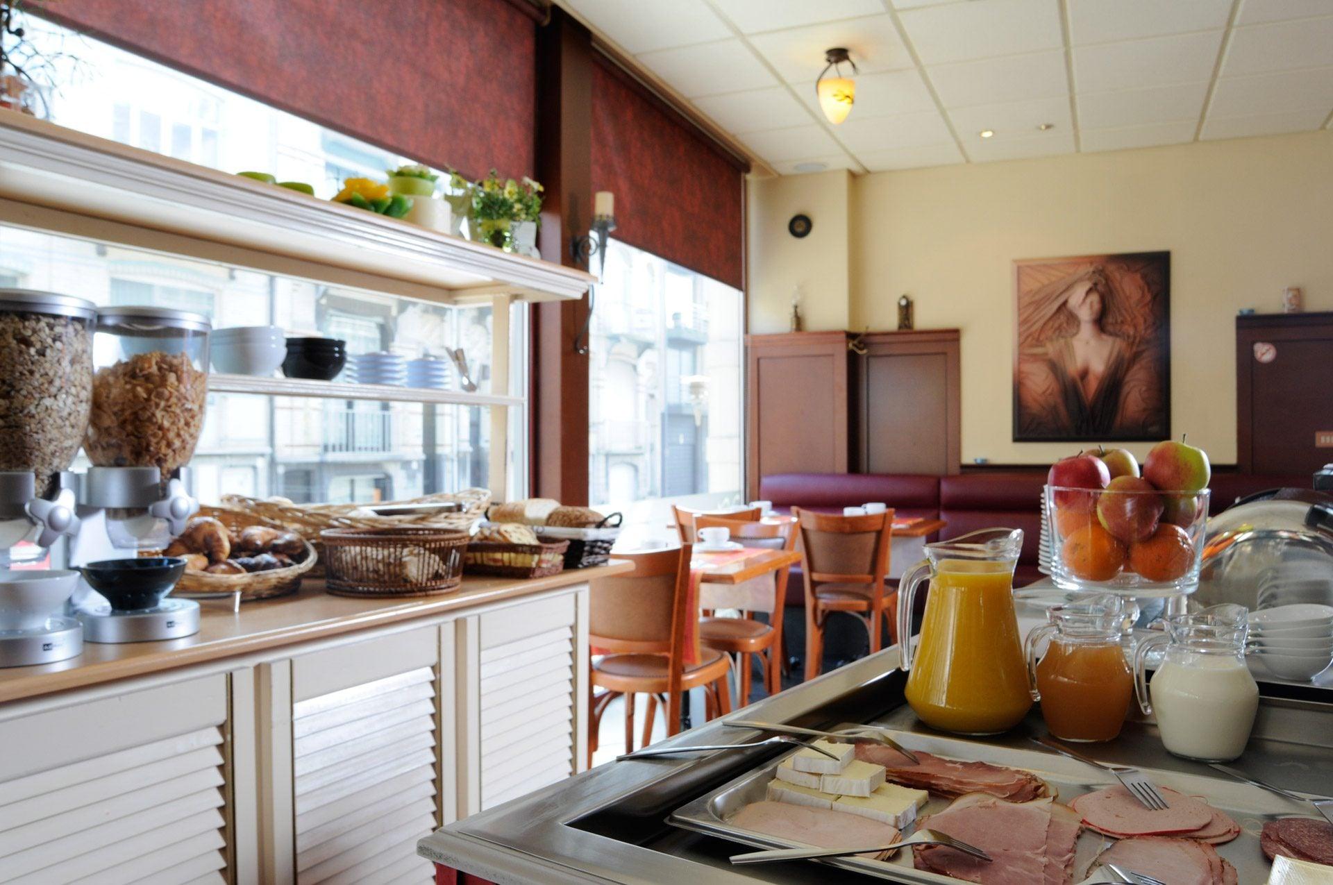 Breakfast - Hotel Tropicana
